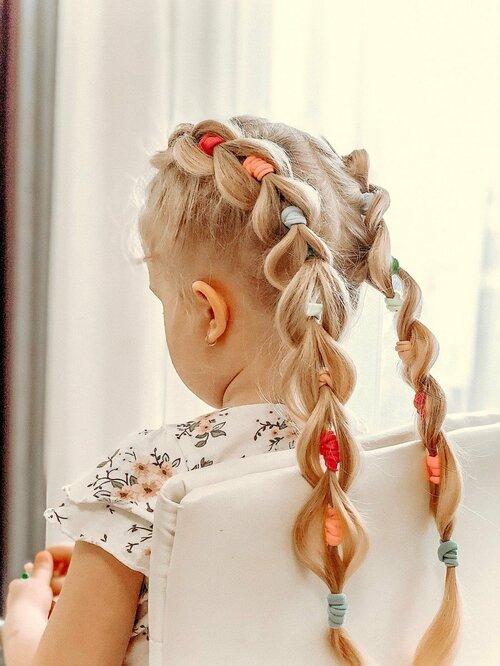 Французская коса с резинками — пошаговое плетение