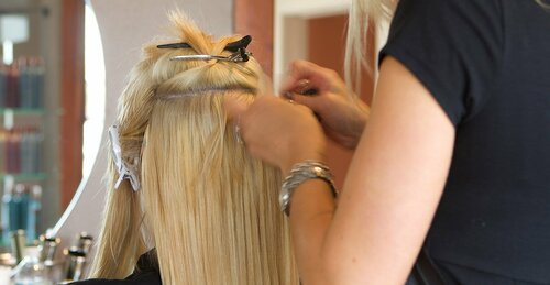Как оживить нарощенные волосы
