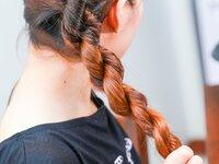 Как сделать кудри с помощью плетения кос на ночь?