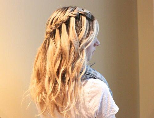 Ежедневные косички с распущенными волосами