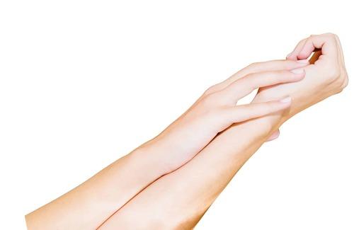 Шугаринг рук — стоит ли делать процедуру?