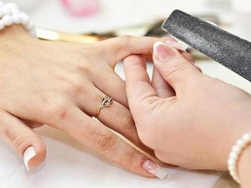 Как снять накладные ногти