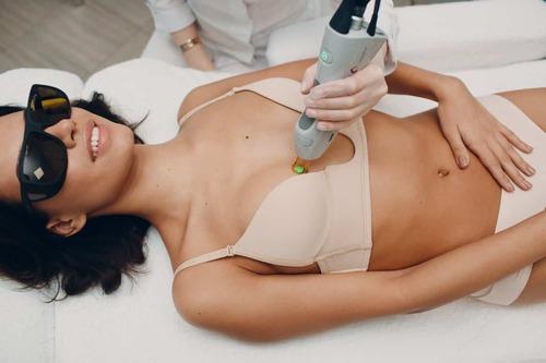 Лазерная эпиляция груди — эффективная процедура для избавления от лишней растительности