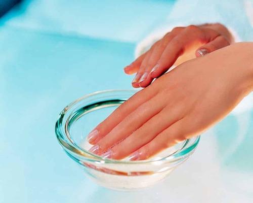 Чем заменить обезжириватель для ногтей?
