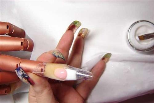 Чем можно заменить формы для наращивания ногтей?
