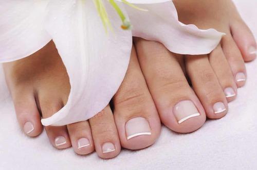 Почему крошатся ногти на ногах?