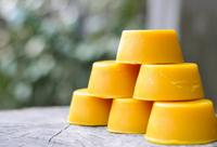 Как приготовить воск для депиляции дома: проверенные рецепты и способы растапливания