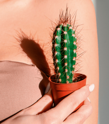 Как обезболить кожу перед эпиляцией в домашних условиях?