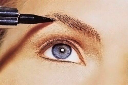 Все тонкости и секреты перманентного макияжа бровей