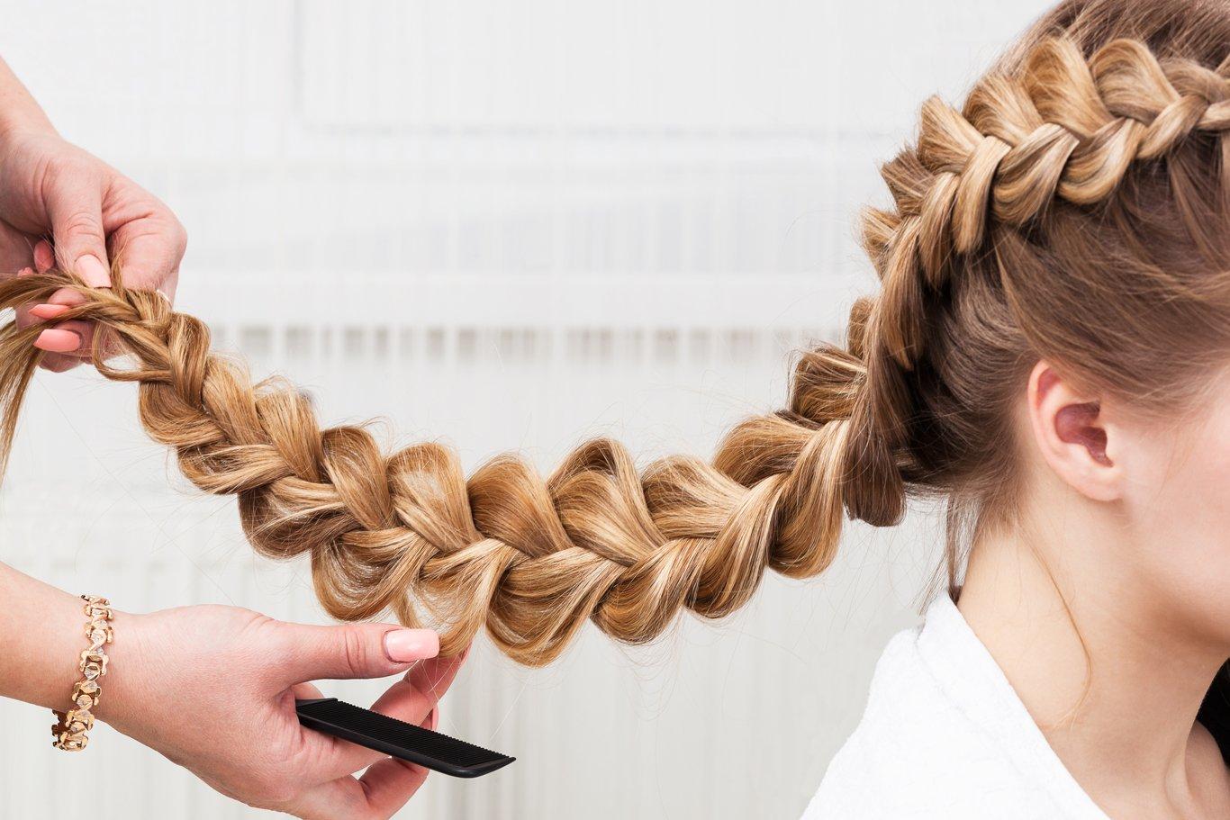 2 косички на длинные волосы