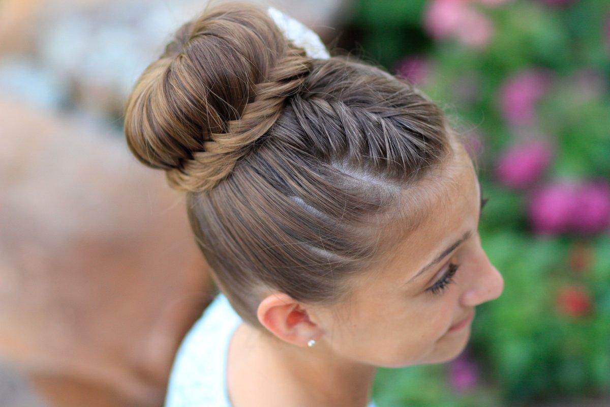 Сделать из волос шишку