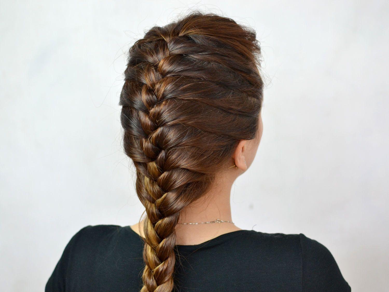 в плетении на волосах дракончик