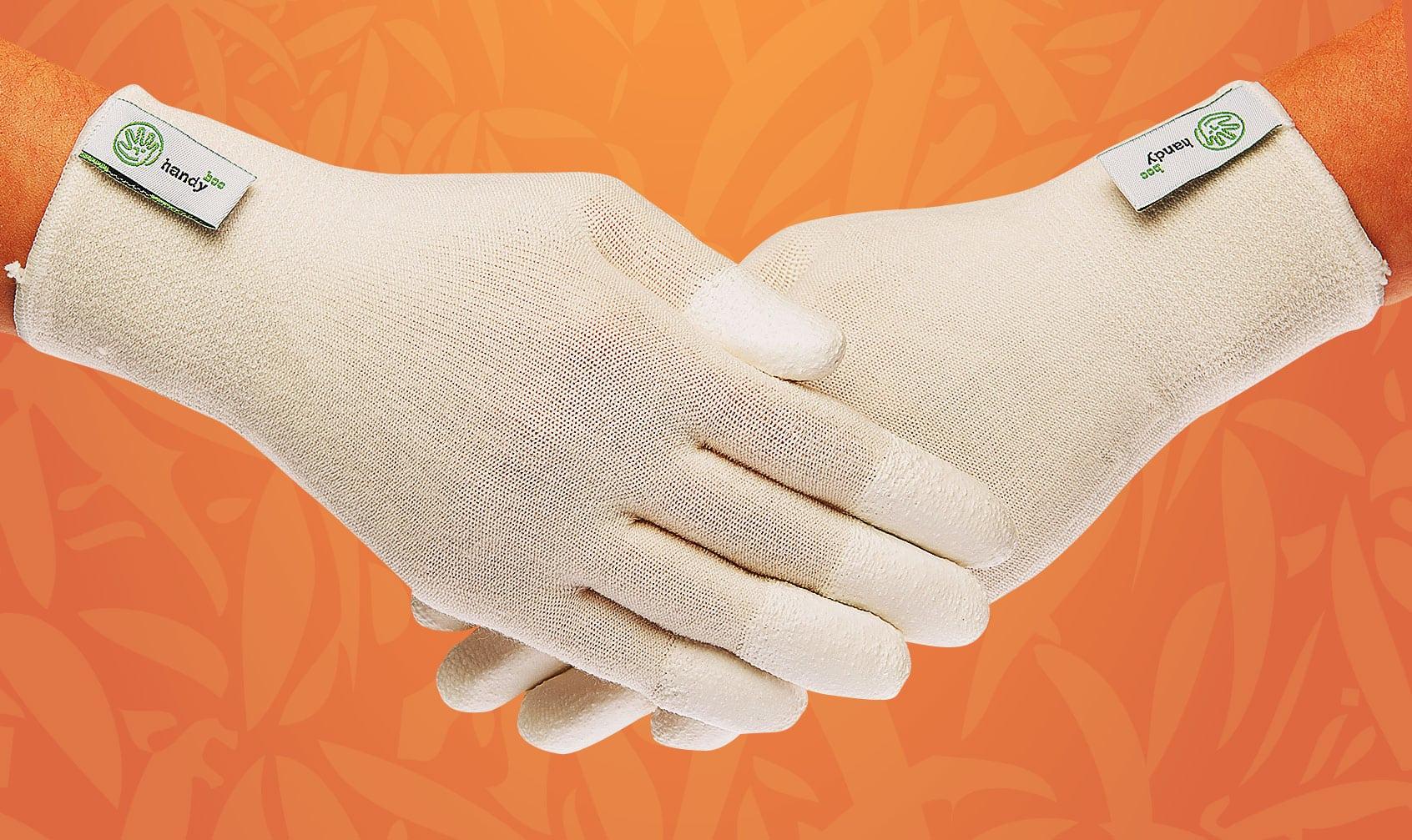 Какие перчатки используют для шугаринга