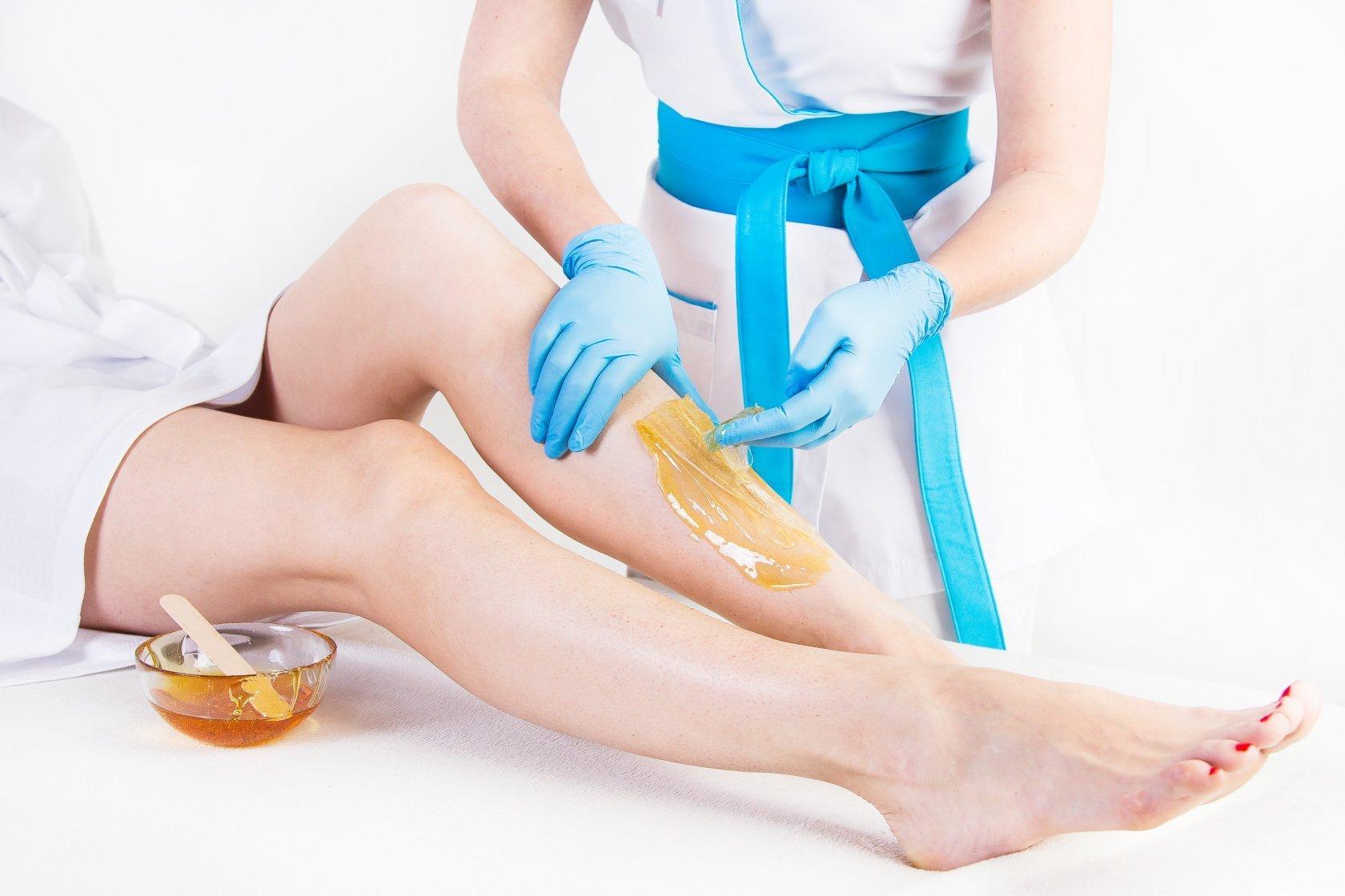 Сахарной депиляции ног