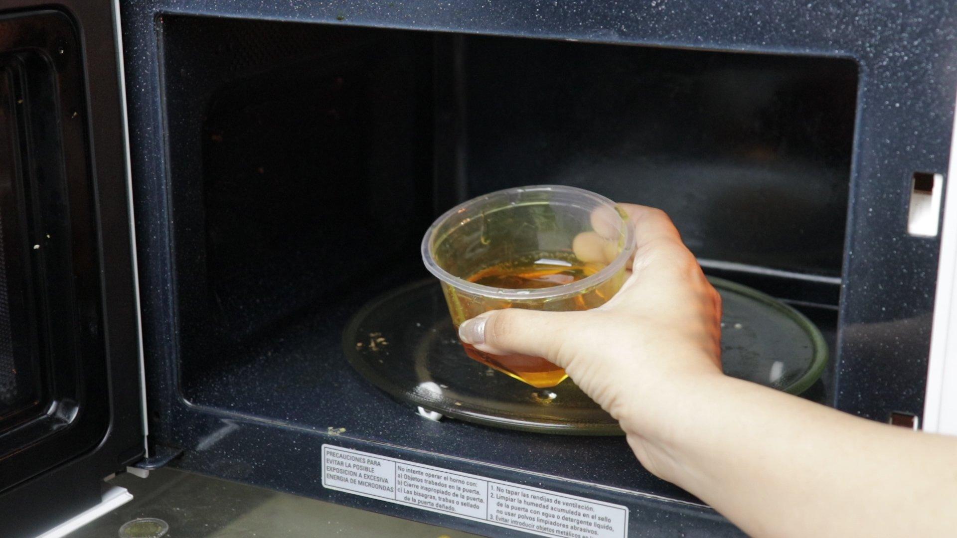 пасту для шугаринга с лимонной кислотой в микроволновке