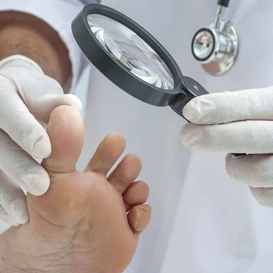 врач по ногтям