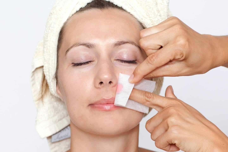 Можно ли делать шугаринг на лице