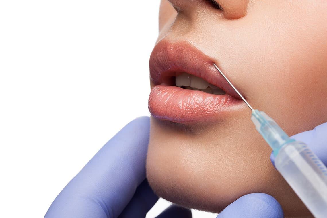 Контурная пластика тонких губ