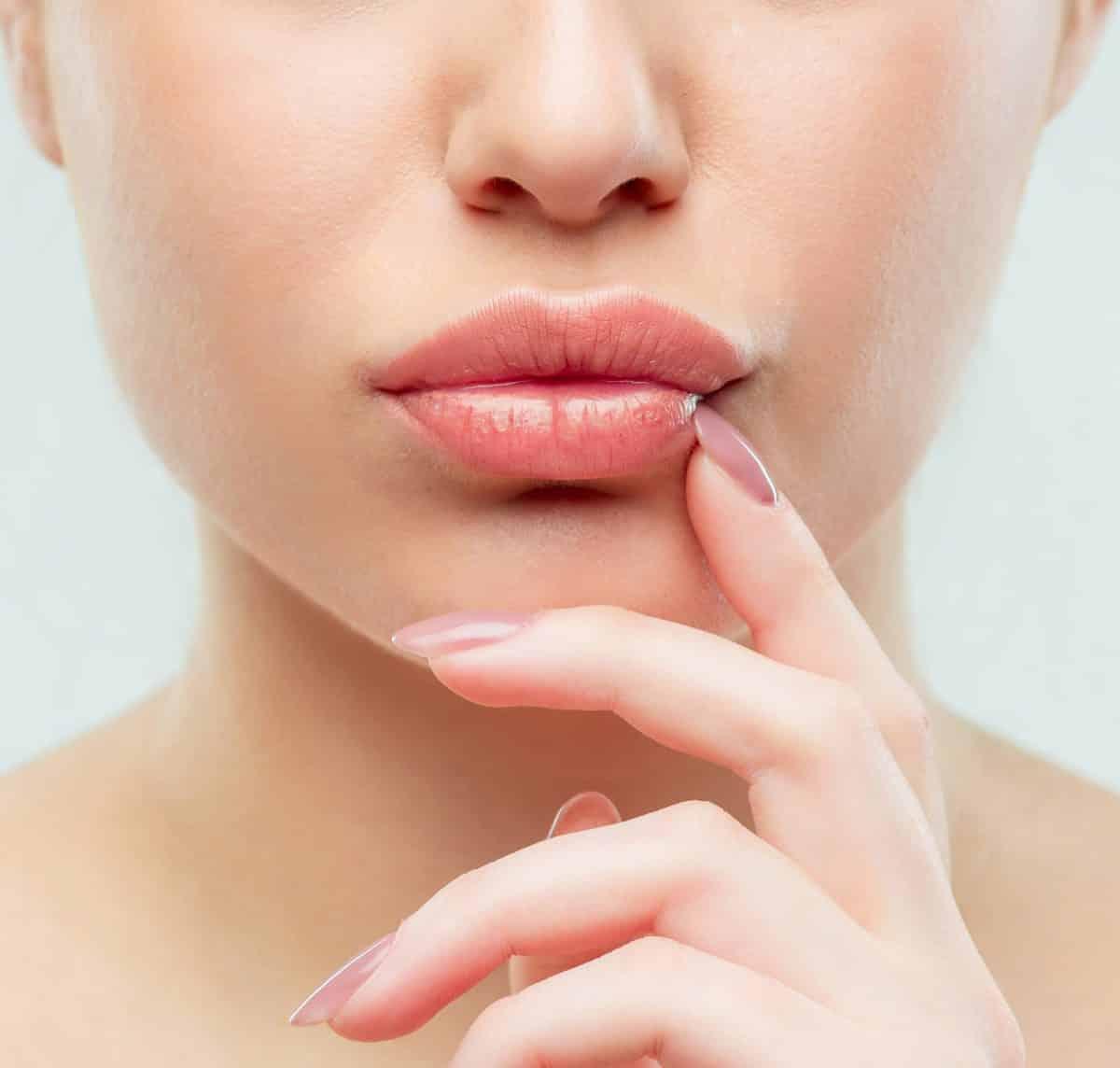 Подготовиться к увеличению губ гиалуроновой кислотой