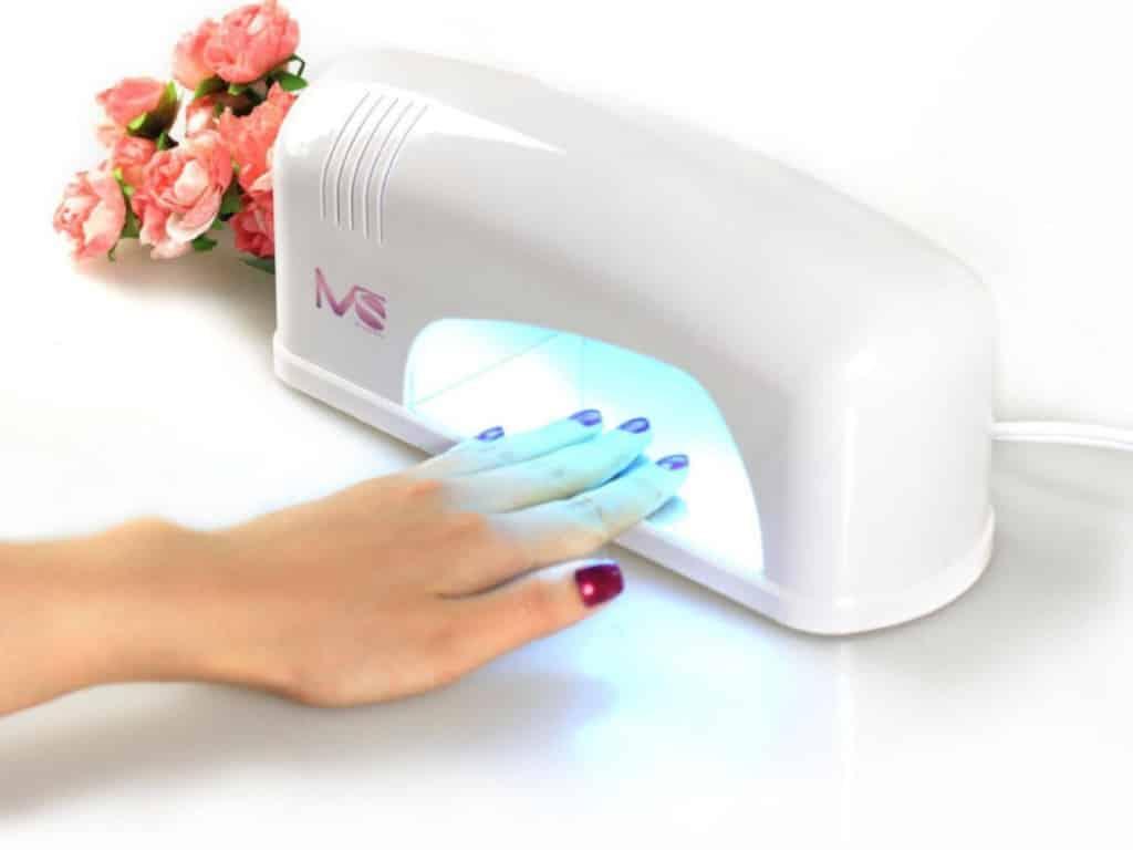 лампа для ногтей