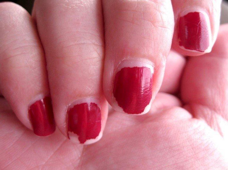 Почему не держится шеллак на ногтях