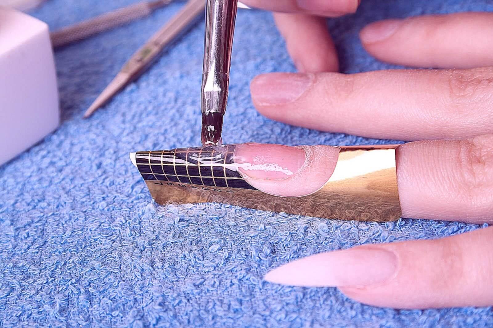 чем можно заменить формы для наращивания ногтей