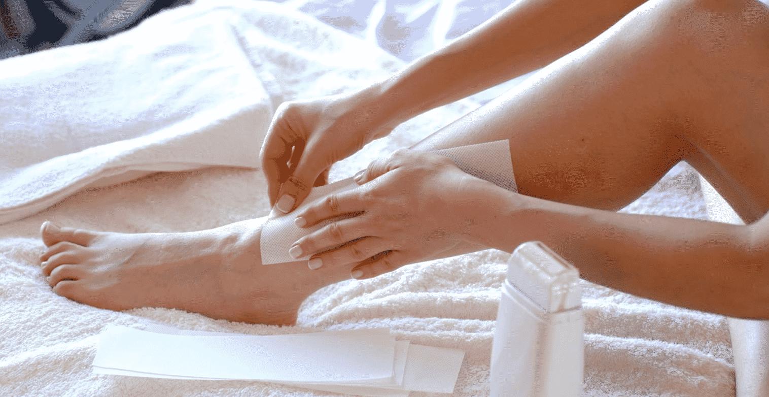 Как удалить воск с кожи после депиляции
