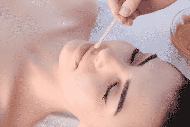 Эпиляция усиков у женщин